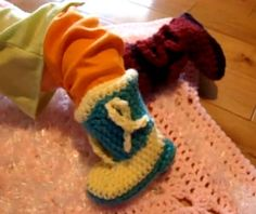 Cute Cowboy Baby Booties Crochet these super cute cowboy boots. These are amazing little gifts for a new mother and will make you look like a crochet super star at the baby shower. These booties require a bit of care when crocheting but you can follow along with Mikey in …