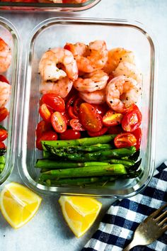 health food Be amazed how only 5 ingredients can make a delicious meal-prep for your whole week. This One-Sheet Pan Shrimp with Cherry Tomatoes and Asparagus (Meal-Prep) is fresh, healthy, low-carb, gluten-free, paleo and of course DELICIOUS! Healthy Drinks, Healthy Snacks, Healthy Eating, Dinner Healthy, Easy Healthy Meal Prep, Keto Dinner, Breakfast Healthy, Lunch Snacks, Healthy Summer
