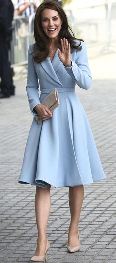 Are These Kate Middleton's Most Fashionable Looks?, Are These Kate Middleton's Most Fashionable Looks? Kate Middleton& Best Style Moments - The Duchess of Cambridge& Most Fashionable Outfits. Looks Kate Middleton, Estilo Kate Middleton, Kate Middleton Outfits, Kate Middleton Fashion, Mode Outfits, Dress Outfits, Fashion Dresses, Fashion Clothes, Dress Shoes