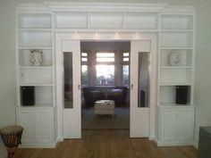 schuifdeuren met boekenkast | build in Bookcases | Pinterest | Salon ...