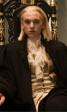 "Jamie Campbell Bower as vampire Caius in the ""Twilight Saga"" films. Twilight Saga New Moon, Twilight Cast, Twilight Photos, Twilight Series, Twilight Sparkle, Nikki Reed, Fan Fiction, Jamie Campbell Bower Twilight, Kristen Stewart"