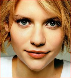Claire Danes/maria rosa raffale was bornon heaven and never left Claire Danes, Celebrity Photography, Portrait Photography, Portrait Art, Carrie Mathison, Beautiful People, Beautiful Women, Pretty People, Gorgeous Redhead