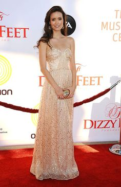 "gorgeous! ""Firefly"" and ""Serenity"" alum Summer Glau oozed elegance as she entered Dizzy Feet's Celebration of Dance Gala on Saturday evening in an ethereal gown covered in mini mirrors"