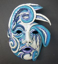 papier mache ideas, craft show ideas.-- other art ideas and inspiration Making Paper Mache, Paper Mache Mask, Paper Mache Projects, Paper Mache Crafts, Sculpture Lessons, Sculpture Art, Ceramic Mask, Craft Show Ideas, Art Ideas