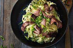 Zucchetti-Tagliatelle mit Rindfleisch Pasta, Sprouts, Meat, Vegetables, Cooking, Food, Magazine, Al Dente, Fresh Pasta