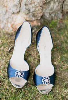 Blue wedding shoes. View more tips & ideas on our Facebook Page : https://www.facebook.com/BoutiqueBridalParty