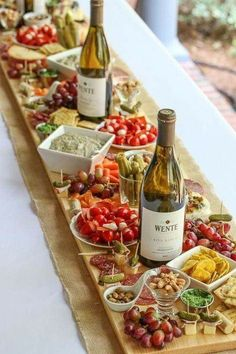 How to Make Antipasto Board Table Runner (Antipasti Platter) - Cheese board - . - How to Make Antipasto Board Table Runner (Antipasti Platter) – Cheese board – - Snacks Für Party, Appetizers For Party, Appetizer Recipes, Party Drinks, Parties Food, Appetizers Table, Wine Tasting Party, Cheese Appetizers, Antipasto Recipes