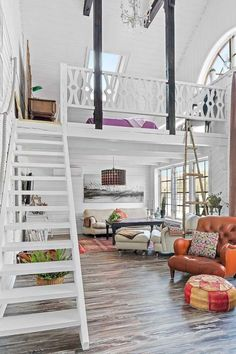 Industrial bedroom designs ideas for small spaces 04 …mattress instead of a be… - Modern Small Loft Spaces, Small Apartments, Small Room Design, Tiny House Design, Small House Interior Design, Simple Interior, Industrial Bedroom Design, Industrial Lamps, Industrial Chic