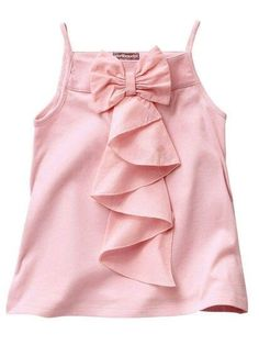 Inspiración para blusa. Pero con mangas y cuello. Frocks For Girls, Dresses Kids Girl, Kids Outfits, Kids Frocks Design, Baby Frocks Designs, Baby Dress Design, Frock Design, Baby Girl Fashion, Kids Fashion