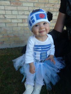 @Christine Ballisty Smythe Smythe Thornock - just sayin' this would be adorable on Aspen!!! R2D2 Star Wars Halloween costume for baby girl. She is too cute!