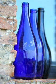♥ Tuscan Blue Glass ~ I want this in my newly remodeled bedroom. Blue Glass Bottles, Cobalt Glass, Blue Bottle, Vintage Bottles, Bottles And Jars, Antique Bottles, Vintage Perfume, Antique Glass, Perfume Bottles