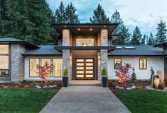 Tour this light-filled modern home in a woodland setting of Oregon #house #contemporary #entry #door #outdoors #landscape