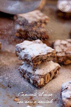 Croccante al cacao con noci e nocciole