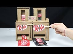 How to Make Coca Cola Soda Fountain Machine with 3 Different Drinks at Home. In my case, it's Coca-Cola, Fanta and Sprite but you can use any drink! Vending Machine Diy, Vending Machines, Cute Crafts, Diy And Crafts, Crafts For Kids, Cardboard Box Crafts, Paper Crafts, Soda Fountain Machine, Kit Kat Bars