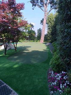 Garden with great putting green Artificial Turf, Grass, Golf Courses, Sidewalk, Garden, Astroturf, Garten, Grasses, Side Walkway