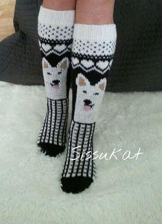 Suomi on miljoonien villasukkien maa – kuvaa meille omasi Crochet Socks, Knitting Socks, Knit Crochet, Best Baby Socks, Knitting Projects, Knitting Patterns, Knit Art, Knit Basket, Cozy Socks