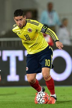 Colombia's James Rodriguez controls the ball during their Russia 2018 FIFA World Cup South American Qualifiers football match against Chile in. Football Match, Football Soccer, James Rodriguez, Fifa World Cup, Real Madrid, Chile, American, Russia, God