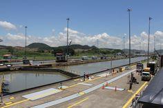 Funcionamiento de las esclusas en el Canal de Panamá