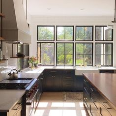 Loving that October glow. 🌞🍂🎃 Kitchen Interior, Kitchen Design, Kitchen Decor, Dream Home Design, House Design, Dream Apartment, House Rooms, Home Kitchens, Building A House