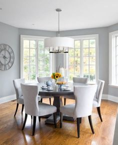 Light gray in the dining room is perfect for those who prefer a more airy ambiance [Design: Jane Lockhart Interior Design] room design grey 25 Elegant and Exquisite Gray Dining Room Ideas Dining Room Colors, Dining Room Walls, Dining Room Design, Grey Dining Rooms, Dining Sets, Gray Rooms, Dining Tables, Room Chairs, Small Dining