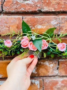 This elegant hair comb for hair consists of small pink roses and an ample amount of greenery. The lovely fall hairpiece can be easily worn in many positions around the head. Bohemian Theme, Wedding Styles, Wedding Ideas, Vineyard Wedding, Hair Comb, Pink Roses, Boho Wedding, Holiday Gifts, Greenery