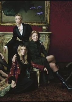 Cate Blanchett, Vanessa Redgrave and Kate Winslet photographed by Annie Leibovitz for Vanity Fair in 2001.