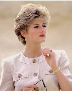 Princess Diana Engagement Ring, Princess Diana Jewelry, Princess Diana Hair, Princess Diana Dresses, Princess Diana Wedding, Princess Diana Fashion, Princess Belle, Princess Diana Quotes, Princess Diana Pictures