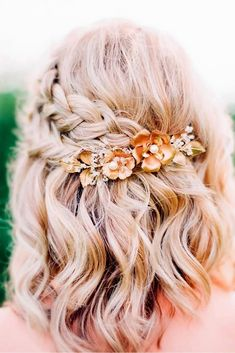 Gorgeous Braided Prom Hairstyles for Short Hair - . Gorgeous Braided Prom Hairstyles for Short Hair – love this pretty half up braided style with a floral hair accessory Prom Hairstyles For Short Hair, Spring Hairstyles, Easy Hairstyles, Beautiful Hairstyles, Hairstyles 2018, Latest Hairstyles, School Hairstyles, Bob Wedding Hairstyles, Halloween Hairstyles