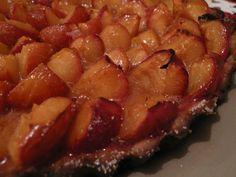 Tarta de ciruelas /  juliana lopez may Tea Time, Bacon, Bakery, Food And Drink, Pork, Chicken, Meat, Cooking, Breakfast