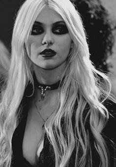 Taylor Momsen ★ - Pinterest: Crackpot Baby 🍒