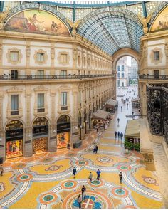Galeria Vittorio Emanuelle II, Milão, Itália