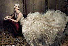 ART IS ALIVE: Vogue May 2009: Annie Leibovitz strikes again