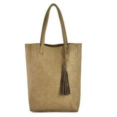 kassi-ac290 ja muut muodikkaat naisten laukut löydät nettikaupastamme osoitteesta www.juliankorulipas.fi
