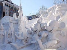 20-bonhomme-de-neige-impressionnants-qui-mettront-un-peu-de-fantaisie-dans-vos-sculptures-hivernales9