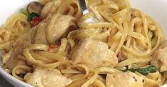 Pâtes au poulet à la florentine prêtes en moins de 30 minutes La Florentine, Pasta, Spaghetti, Clean Eating, Food And Drink, Ethnic Recipes, Kitchen, Pasta With Chicken, Meal
