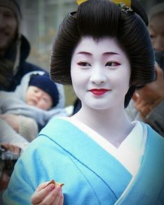 Satsuki san in blue, Would you like one? #kyoto #geiko