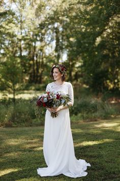 We are so excited to be posting this blog. Julia + Garrett tied the knot at a beautiful state park on September 18, 2015. I (Erin) have known Julia for a few years now. We began following each other on Instagram and had some mutual friends. We met this past December very briefly but have alway
