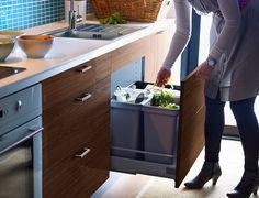 lixeira na gaveta de cozinha