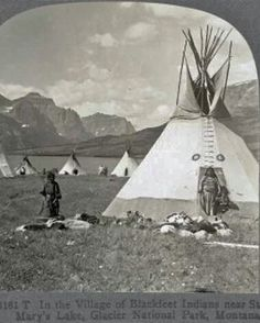 Historic Blackfeet, Blackfoot Indian tipis in Alberta, Canada and Montana Native American Photos, Native American Tribes, Native American History, Native Americans, African Americans, Blackfoot Indian, Native Indian, Indian Tribes, Indiana