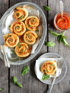 Margherita pizza wheels (with tomato, basil, and mozzarella)
