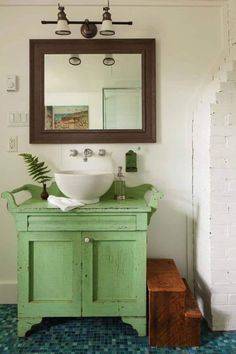 Very appropriate- a vintage dry sink made into a vanity.House of Turquoise Bathroom Colors, Bathroom Sets, Small Bathroom, Eclectic Bathroom, Cottage Design, House Design, Teen Bathrooms, Dream Bathrooms, Sala Grande
