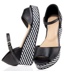 Geometric Patterned Wedge