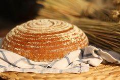 U nás na kopečku: Náš domácí kváskový chléb.... Cooking Bread, Dairy, Food And Drink, Cheese, Meat, Baking, Patisserie, Backen, Bread