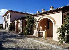 Escapadas a Ávila Mansions, House Styles, Home Decor, Elopements, Decoration Home, Manor Houses, Room Decor, Villas, Mansion
