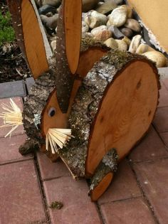 59 ideas easter wood crafts diy bunnies for 2019 Wood Log Crafts, Wooden Projects, Craft Projects, Diy Wood, Spring Crafts, Holiday Crafts, Deco Restaurant, Wood Animal, Diy Ostern