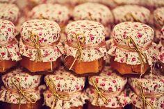 Lembrancinhas de casamento: doce no potinho Bakery Logo Design, Boho Chic, Wedding Day, Party, Giveaways, Weddings, Country, Budget Friendly Weddings, Wedding Happy