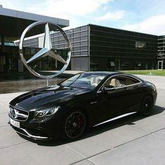 66 Most Popular Photo Mercedes-Benz Car Mercedes Auto, Mercedes Benz Autos, Mercedes Black, Classic Mercedes, Mercedes Sport, Luxury Sports Cars, Sport Cars, Maserati, Lamborghini