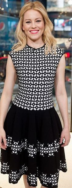 Who made Elizabeth Banks' black and white print dress?