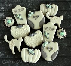 Ivory with Gray and Blue Accents Cat, Pumpkin, Owl, Headstone and Plaque Halloween Cookies
