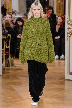 http://www.vogue.com/fashion-shows/fall-2017-ready-to-wear/paul-joe/slideshow/collection